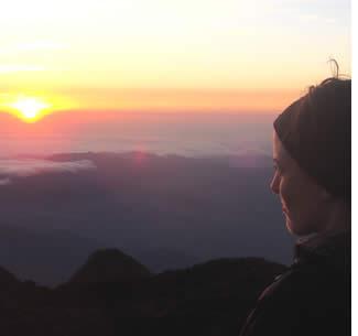 Soluppgången från toppen av Volcan Baru i provinsen Chiriqui, Panama